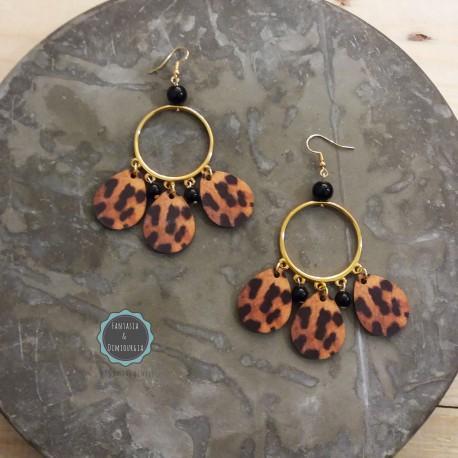 σκουλαρίκια με χρυσούς κύκλους και animal print σταγόνες (κωδ:0217)