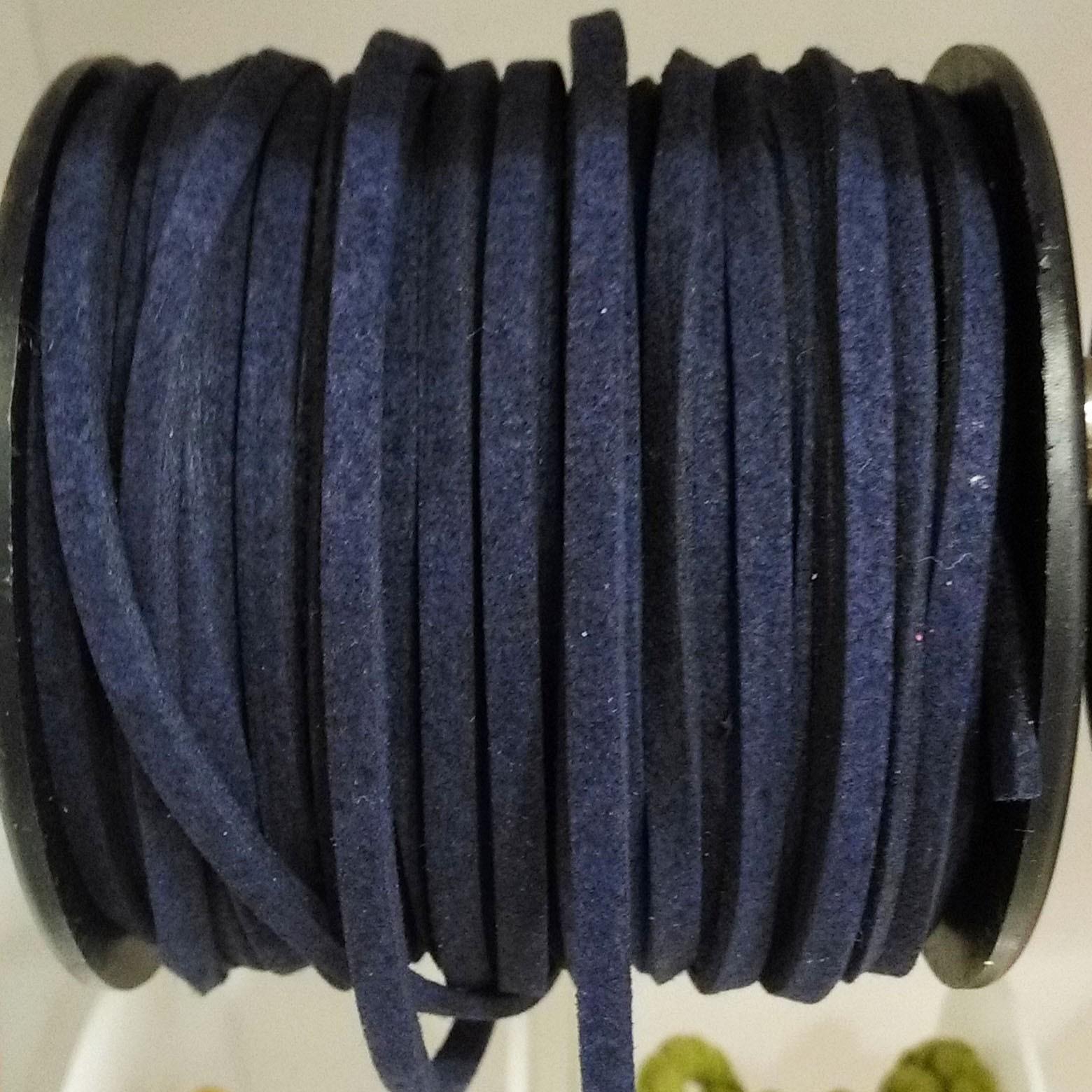 μπλε σκούρο σουέτ